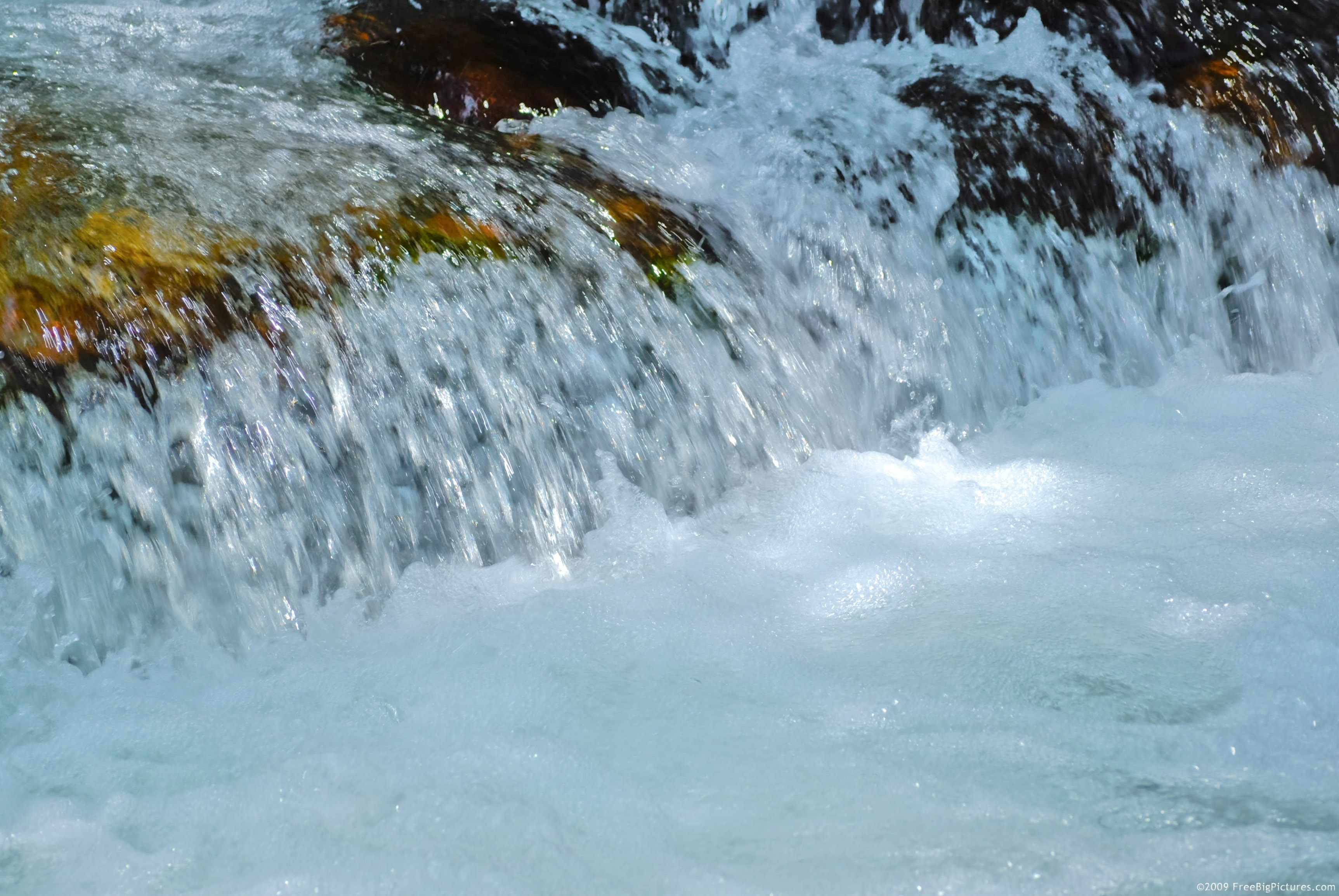 Picture of water brightening is a big size photo to download