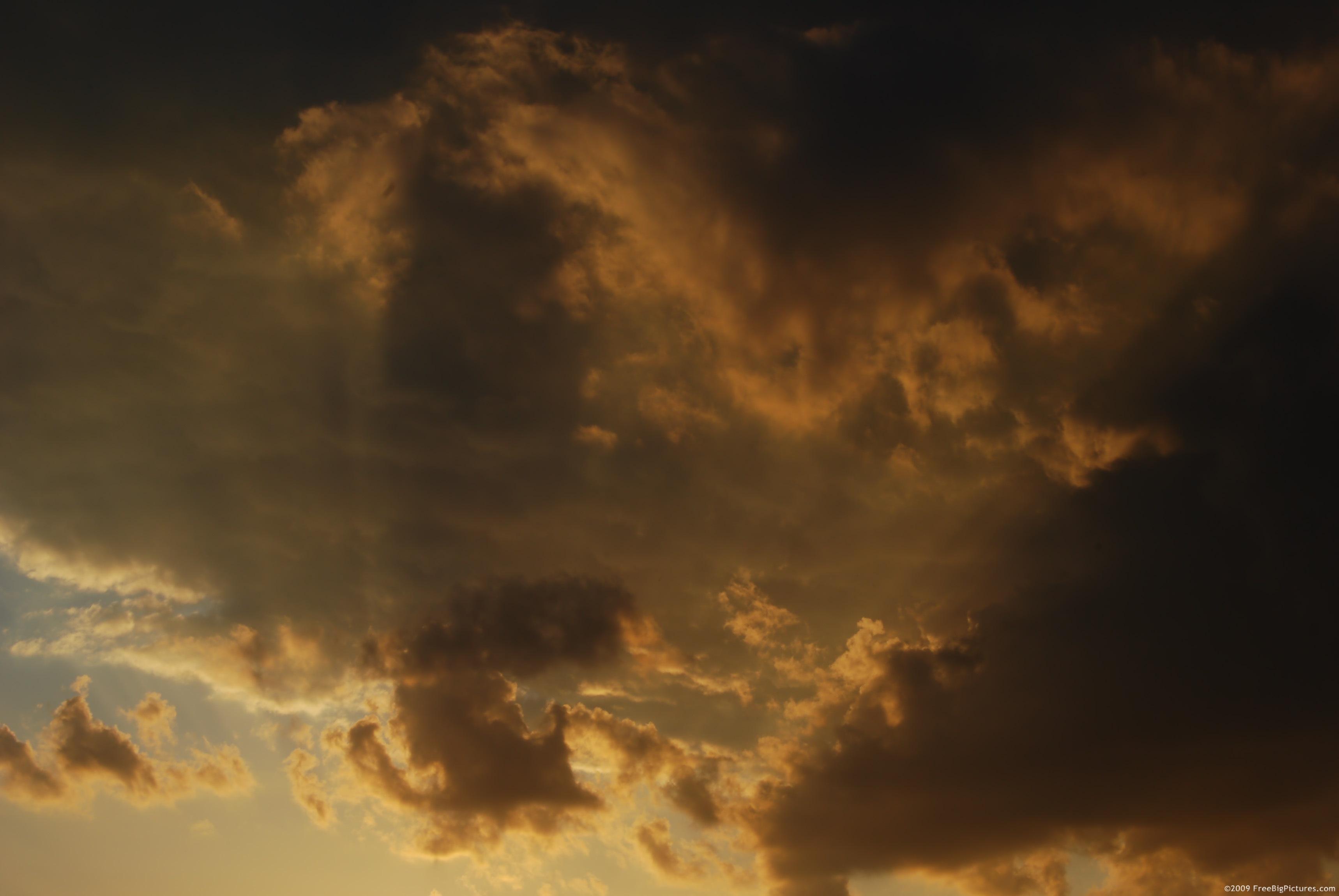 Sunset light above......  Sunset 夕陽
