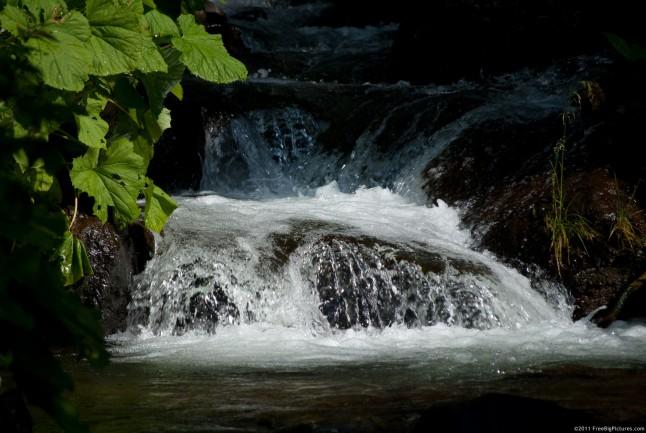 A foamy falling water